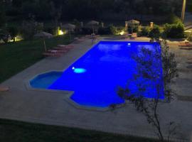 Mythos apts hotel, appartement à Agios Stefanos