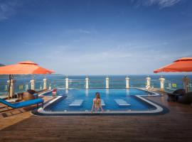 Seven Sea Hotel Da Nang, hotel in Danang