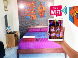 Canterbury Tales Guesthouse 6A, apartment in Pattaya