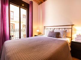 Lovely apartment Poble Sec II, hotel with jacuzzis in Barcelona