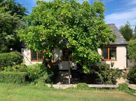 Newton Farmhouse, apartment in Whiteparish