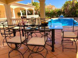 Magellan House, vacation home in Vilamoura
