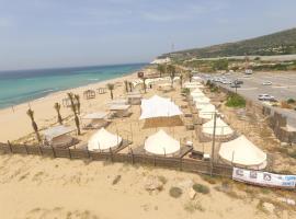Betzet beach campsite, hotel near Rosh HaNikra grottoes, Beẕet
