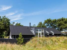 Holiday home Henne CIII, overnatningssted i Henne Strand