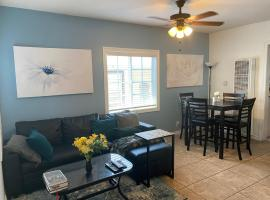 Comfy Cove - Near Downtown, Beach and Convention Center, vacation rental in Long Beach