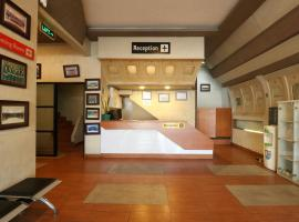 Sky Airlines Guesthouse, guest house in Tangerang