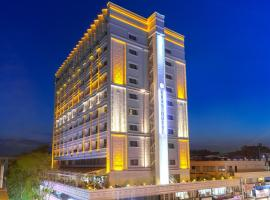 Best Western Plus Khan Hotel, hotel in Antalya