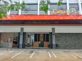 OYO 3729 Cattail Guest House, hotel in Pontianak