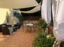 La Terrazza di via Elisa, hotel in Lucca