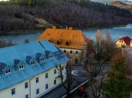 Fužinarska kuća, hotel in Fužine