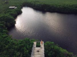 Nativus Glamping & Cenote Tulum, hotel cerca de Centro Ecológico Sian Ka'an, Tulum