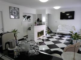 Clelia's Boutique Rooms & Suites, bed & breakfast a La Maddalena
