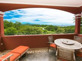 Luxury 3BR Condo with nice Oceanviews - Boug 1204, hotel in Playa Conchal