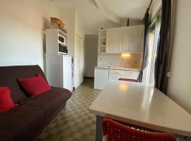 APARTMENT STUDIO 4 personnes Studio 4 couchages GRAU D'AGDE............., hotel in Le Grau-d'Agde