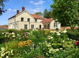 Hill Farmhouse, hotel near Blickling Hall, Ingworth