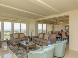Enjoy a perfect bayview! Beachfront resort with shared pools and jacuzzi, resort in South Padre Island