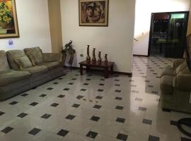 Hostal Madrid, hotel in Machala