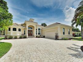Upscale Canal Home with Dock, 5-Minute Walk to Beach home, Hotel mit Whirlpools in Cape Coral