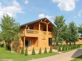 Парк - отель Бобры, отель в городе Краснослободск, рядом находится Дом Павлова