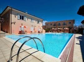 BOLGHERI MARINA RESORT ex Varo Village Hotel, hotell i Marina di Bibbona