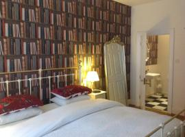 A Room in the City - West (formerly Luxury Central B&B), pet-friendly hotel in Edinburgh