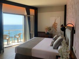 ON ALETA ROOM designed for adults, hotel near Acantilados de Maro-Cerro Gordo, Almuñécar