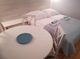 Pokoje gościnne Jutrzenka – hotel w pobliżu miejsca Labirynt w Polu Kukurydzy w Swarzewie