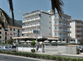 Hotel Pietra di Luna, hotel with pools in Maiori