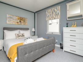 Historic Location, Private Parking, Ground Floor Luxury Flat, apartment in Aberdeen