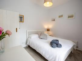 Gwyllt Cottages, hotel near Anglesey Sea Zoo, Dwyran