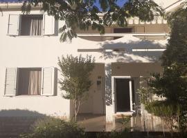 Ervin's cosy apartment, pet-friendly hotel in Novalja
