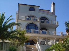 Villa Corona, hotel v mestu Okrug Donji