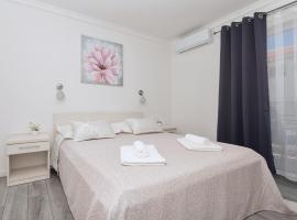 Apartments PETRUSIC, apartment in Makarska