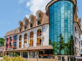 Отель Южный, отель в Дагомысе, рядом находится Лооский храм