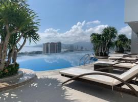 Hoang Anh Apartment with Swimming pool- Scenia Bay Apartment, hotel near Hon Chong Promontory, Nha Trang