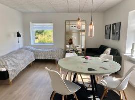 Motel Hune Apartments, hotel i nærheden af Fårup Sommerland, Blokhus