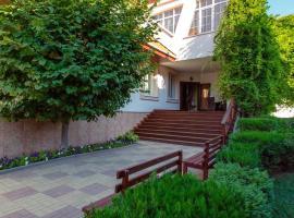 Отель Лесной, отель в Геленджике