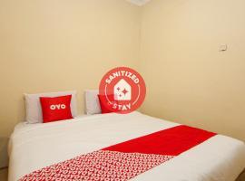 OYO 1488 Prima Hotel, hotel di Pangururan