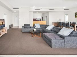 City-Centre Apartment With River Views and Balcony, accommodation in Brisbane