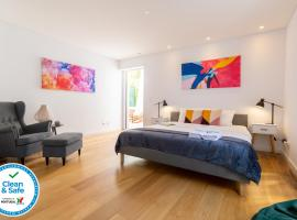 Industrial Lisbon Apartment, homestay di Lisbon