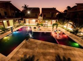 Pousada Recanto Beach, hotel with pools in Camocim