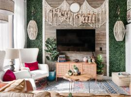 Bohemian Luxe Apartment Near Hip Venues in The Nations, apartment in Nashville