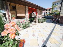 More Solntsa Guest House, guest house in Vityazevo