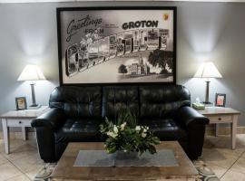 Super 8 by Wyndham Groton, hotel in Groton