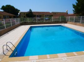 PALMIER SOLEIL 410, holiday home in Gruissan