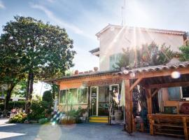 Riviera Azur Antibes à 300m de la mer et du Marineland, self catering accommodation in Antibes
