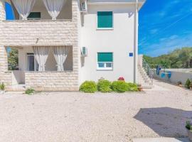 Apartments Sestanka, guest house in Novalja