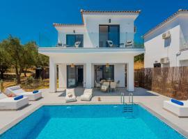 Queen of zakynthos luxury villa, hotel in Amoudi