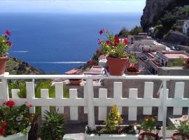 CASA ENZO, apartment in Amalfi