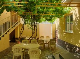 Guest House Vinogradnaya 4, homestay in Anapa